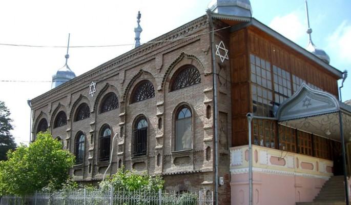 Год Нисанов и Зарах Илиев открывают первый в мире музей горских евреев в Красной слободе