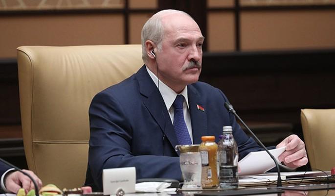 Высмеявший Лукашенко из-за усов Зеленский перешел черту