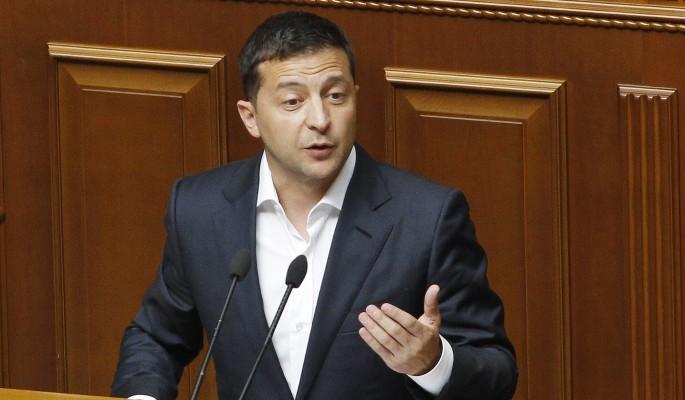 Отстранение Зеленского от власти: в Киеве подписан важный закон