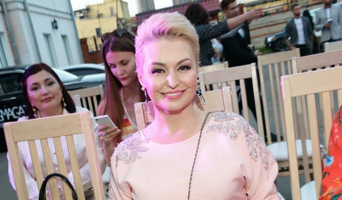 Катя Лель призвала высшие силы в помощь больной раком Заворотнюк