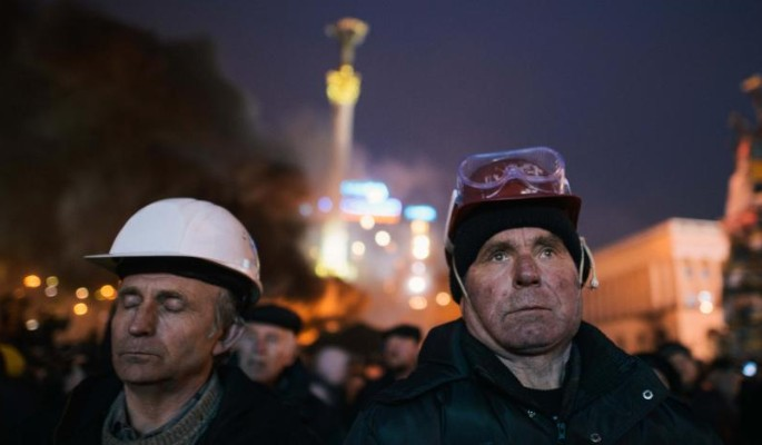 Загнанную в ловушку Украину оставили без денег