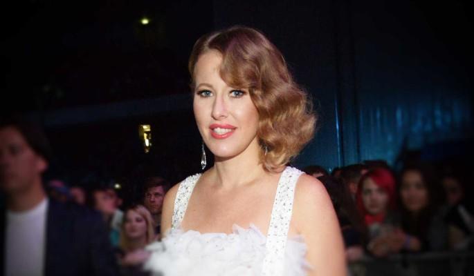 Ксения Собчак попала впросак в венчальном платье
