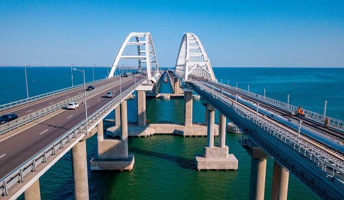 Осколочные бомбы: опасная находка у опор Крымского моста шокировала народ