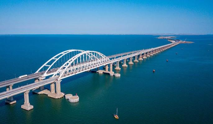 Украинцы возрадовались из-за внезапной проблемы с Крымским мостом