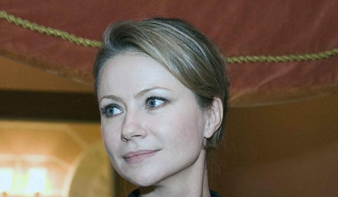 46-летняя Миронова впервые показала четвертого мужа