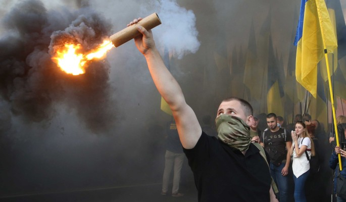Беспорядки в Киеве: офис Зеленского взяли в осаду