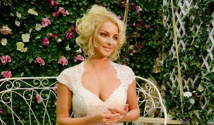 Волочкова сообщила о свадьбе с народным артистом