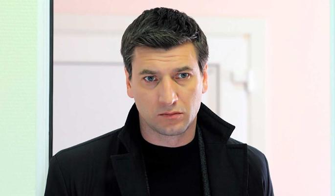 Актер Александр Устюгов даст первый сольный концерт в Москве