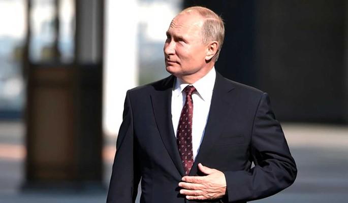 Визитку Путина готовы отдать за два миллиона