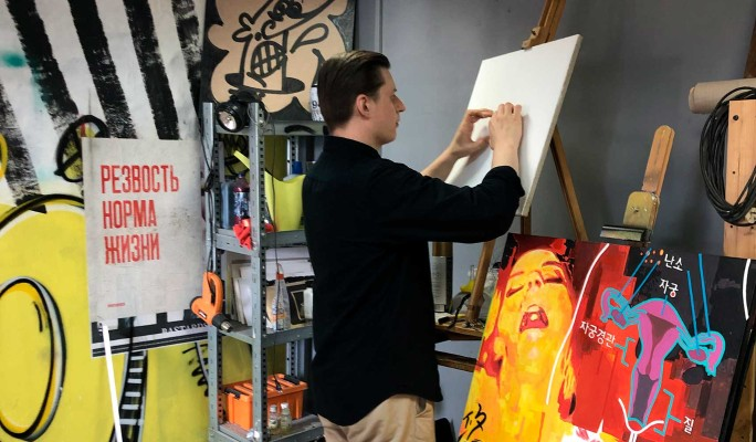 Выставка работ молодых художников пройдет сразу в пяти галереях Москвы