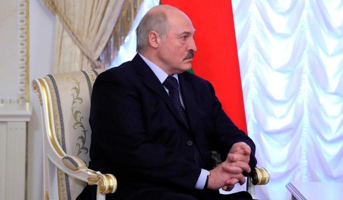 Струсил? Лукашенко сбежал от разъяренных белорусов