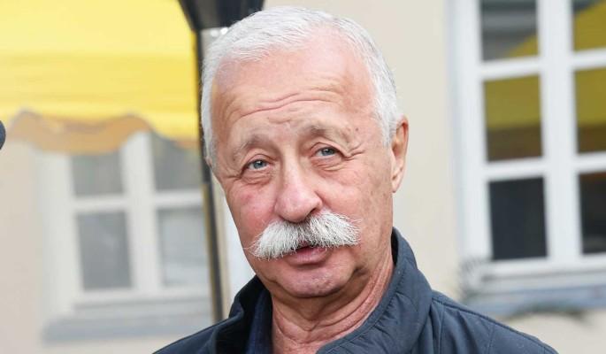 74-летний Якубович прервал молчание после известия об операции