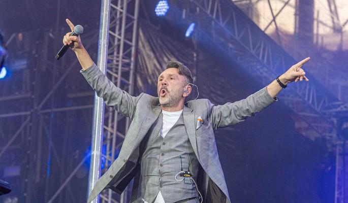 Сергей Шнуров спровоцировал травлю молодой певицы
