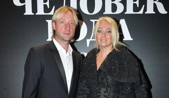 Будет дочка: заговорили о втором ребенке Плющенко и Рудковской