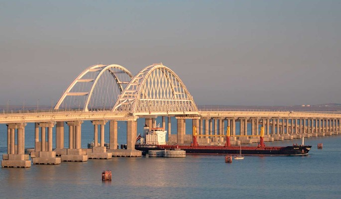 Напавшим на Крымский мост украинцам дали отпор