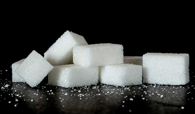 Какую опасность несет сахар