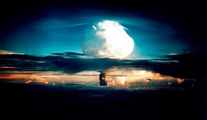 Украине предложили вернуть ядерную бомбу