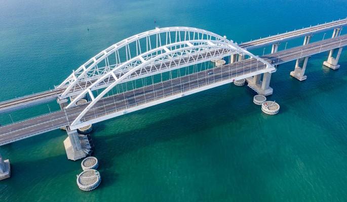 Могут взорвать: Крымскому мосту угрожает серьезная опасность