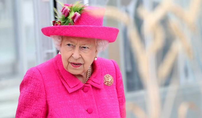 Принц Чарльз намерен отобрать престол у королевы Елизаветы