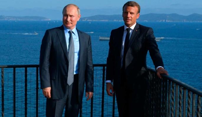 Макрона поддержали за диалог с Путиным