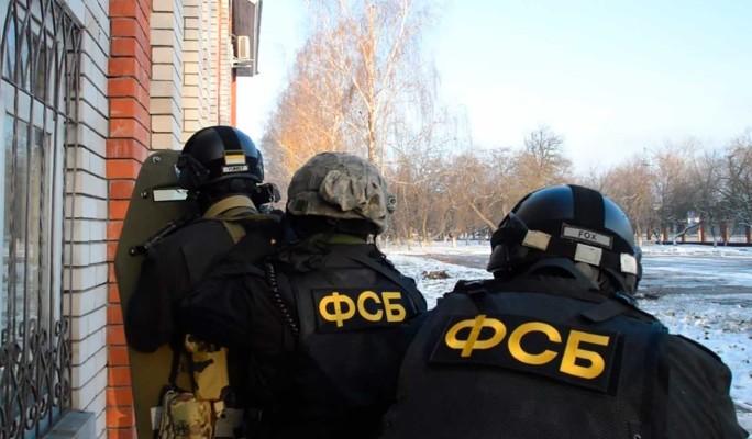 Российские силовики показали задержание особо опасной банды