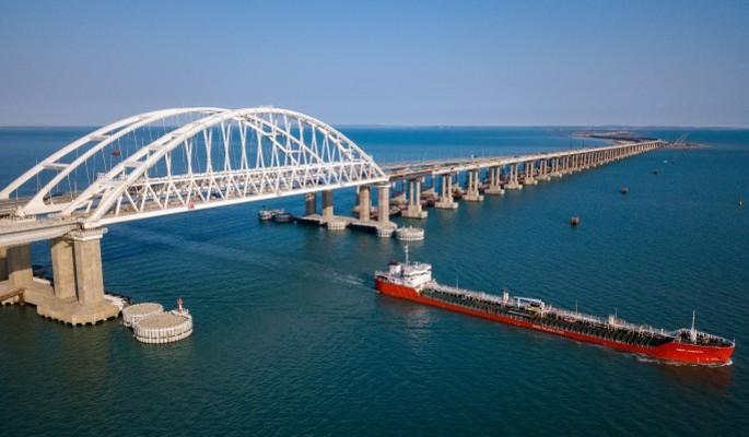 Сообщается о прорыве украинских кораблей у Крымского моста