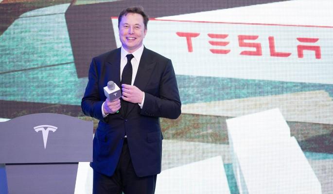 Илон Маск сбросил одежду перед камерой