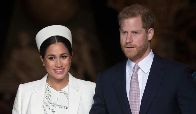 """""""Что они о себе возомнили?"""": Маркл и принца Гарри распекли за отречение от семьи"""