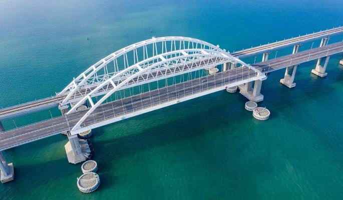 У Крымского моста произошло серьезное ЧП после запуска поездов