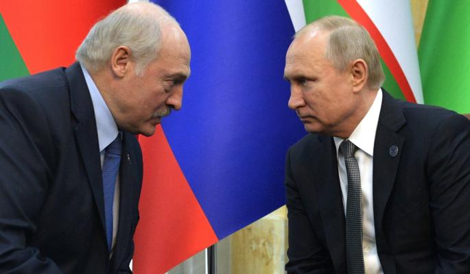 """""""Не президентское это дело"""": выпрашивающему у Путина поблажки Лукашенко дали по рукам"""