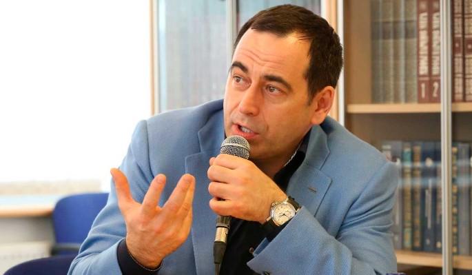 Бизнесмен Роман Авдеев рассказал о съемках фильма о легендарном футболисте