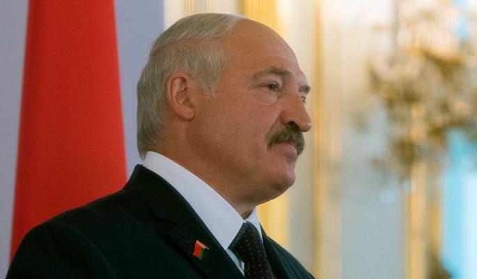 Вслед за Медведевым: появились сообщения об отставке Лукашенко