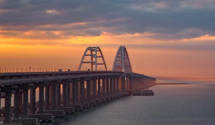 Будут бомбить? Американцы направили авиацию к Крымскому мосту
