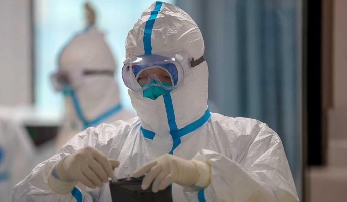 Перепуганные из-за коронавируса в России москвичи бьют тревогу после произошедшего в метро