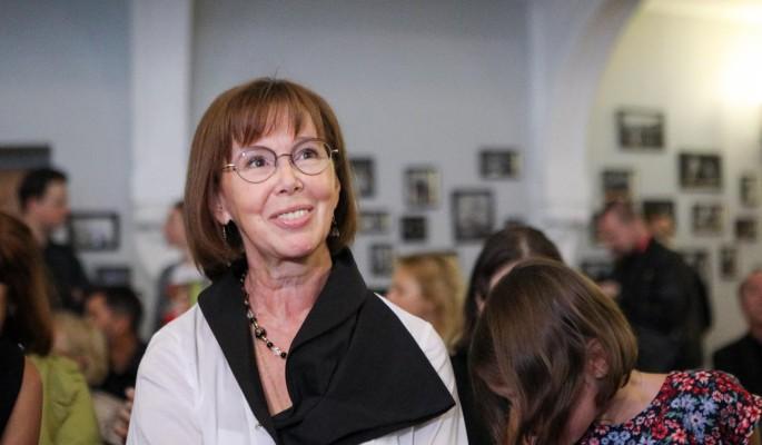 Пожираемой раком актрисе Евгении Симоновой вырезали легкое