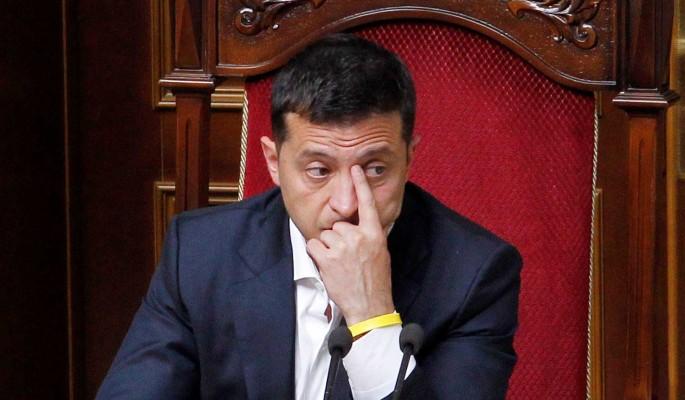 Зеленский пообещал бегущим от коронавируса украинцам роскошные особняки