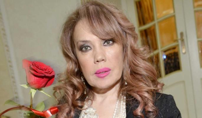 Завидная невеста: 55-летняя Азиза тайно выходит замуж