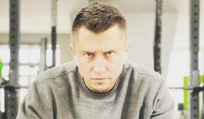 Павел Прилучный сбежал с ребенком после заявления о разводе