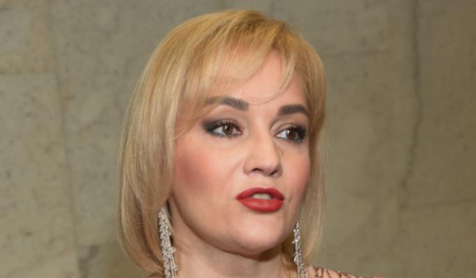 Гулькина посмеялась над подравшимися фанатками на концерте Булановой