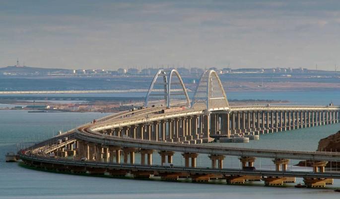 Лучше бы не строили? Власти признали опасность Крымского моста