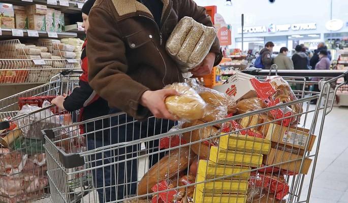 Скупающих гречку из-за коронавируса россиян предупредили об ответственности