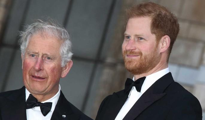 Принца Гарри мучат угрызения совести из-за больного коронавирусом отца