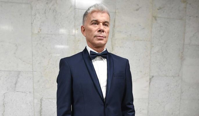 Газманов заперся после общения с больным коронавирусом Лещенко