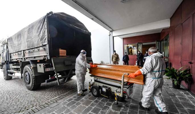 Гробы вывозят колоннами: врач из Италии ужаснула рассказом об эпидемии в стране