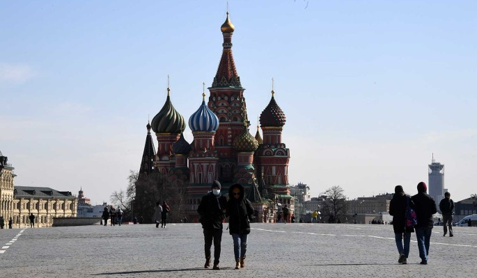 Россиянам разрешили выходить из дома по СМС-пропускам