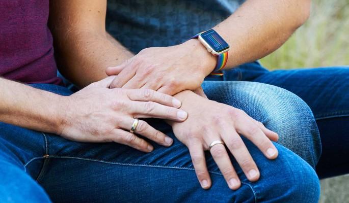 Известная ведущая проболталась о венчании двух геев на Первом канале