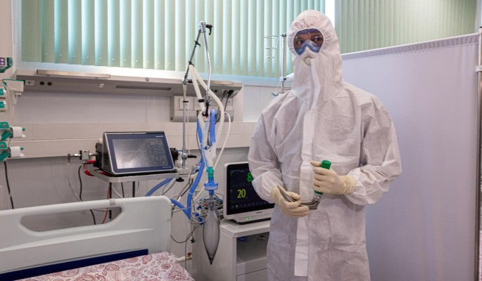 Главврач больницы в Коммунарке бьет тревогу о новом симптоме коронавируса