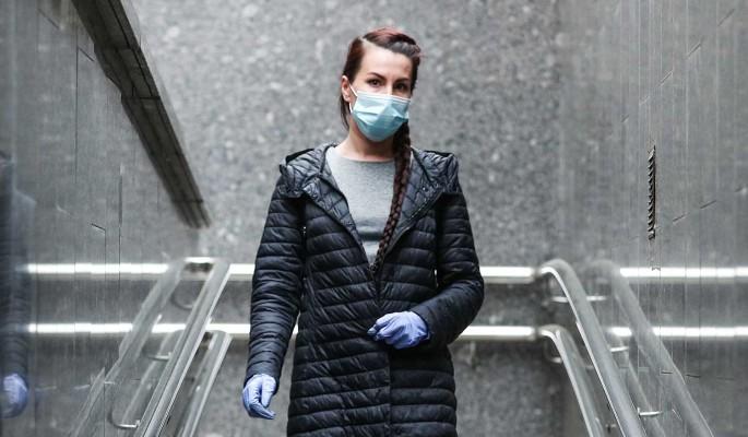Постирать и отпарить: россиянам рассказали о правилах использования защитных масок