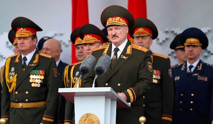 Снизилось в два раза: странное заявление Лукашенко о коронавирусе в Белоруссии