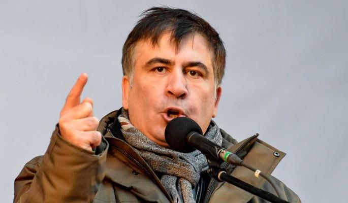 Саакашвили набирает людей с улицы для нового переворота на Украине